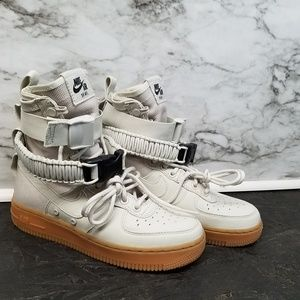 Nike Womens SF Af1 Air Force 1 Shoes sz 5 New 180$